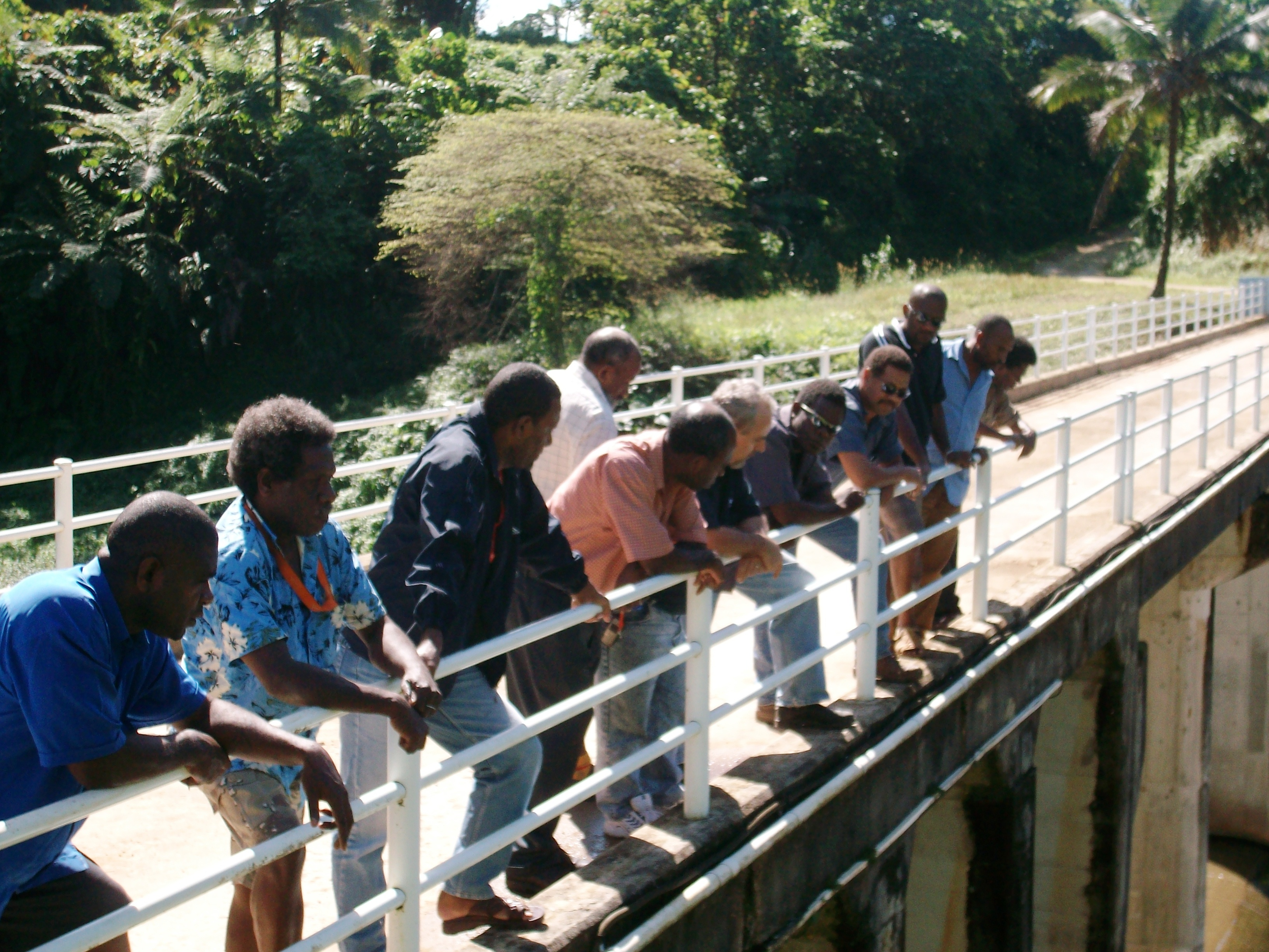 Ministerial Delegation inspecting Sarakata Hydropower Station